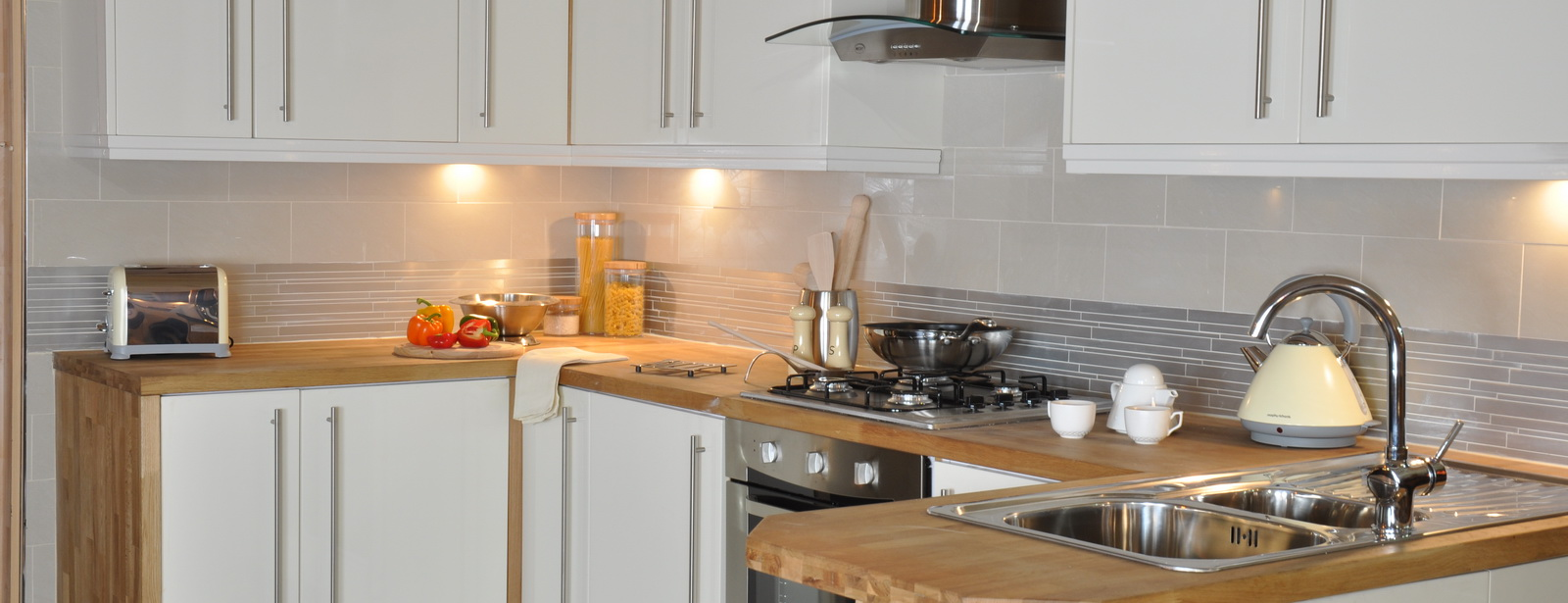 Kitchens manchester cheap kitchens manchester kitchen for Cheap fitted kitchens